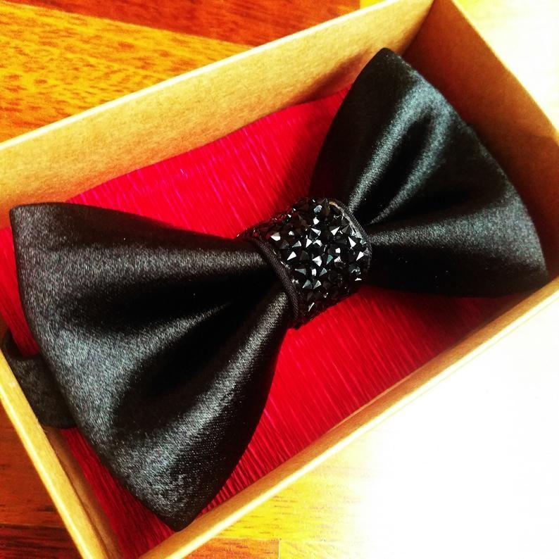 Luxury black bow tie